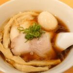 こだわりの素材で作られた醤油ラーメン「らぁ麺はやし田」